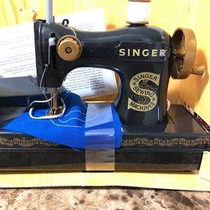 Singer Original Chainstitch Sewing Machine:))